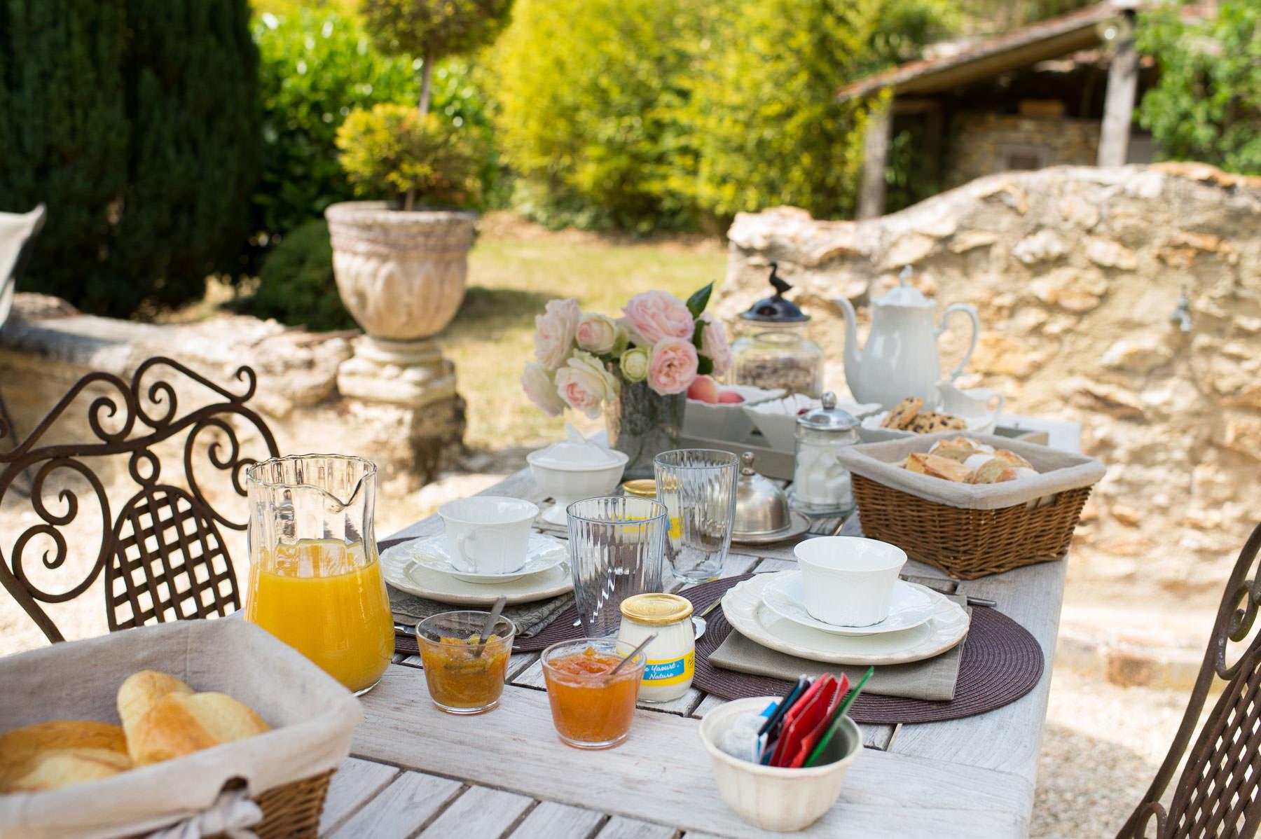 petit-dejeuner-chambres-dhotes-campagne